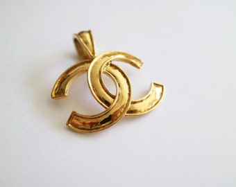 Vintage Authentic Chanel CC logo Pendant 94P
