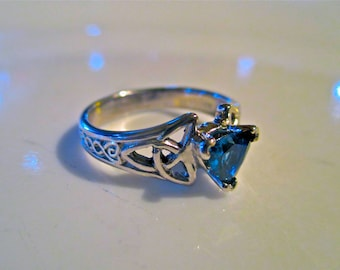 14K White Gold Celtic Love Knot Ring with Sapphire
