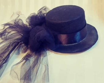 Mini Top Hat With Tulle Bow Costume