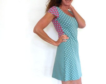 Dress, short-sleeved, sage green and red-pink dots