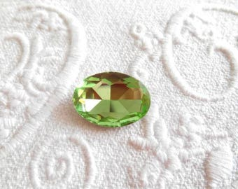 Rhinestone oval 13 x 18 mm Green faceted Crystal cabochon.