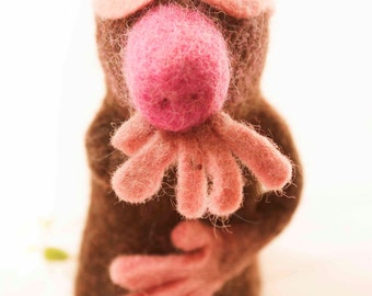 Mole Felt Eggwarmers designed in Germany, handmade in Nepal. Our cute felt animals can be used to keep your eggs warm or as a fingerpuppet.