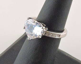 Size 6 - 7 Adjustable Silver Tone 4.5ct Heart Rhinestone Ring With Accent Stones