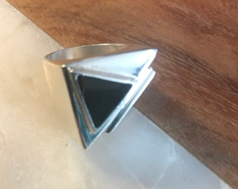 Vintage Sterling Silver and Genuine Onyx Art Deco Style Ring Size 8