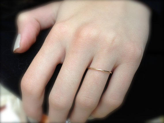 Dainty wedding band Simple wedding ring Thin Wedding Band