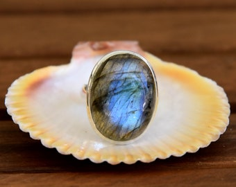 Blue Fire Labradorite Ring - Size : 7