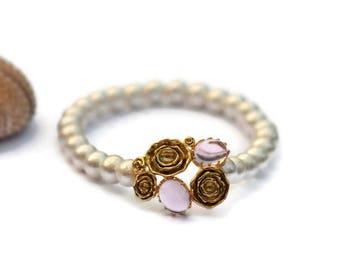 White Bracelet, white Beaded bracelet,  Stretch Bracelet, flower bracelet, Bridesmaid Gift, white wedding bracelet, Women Bracelet, For Her