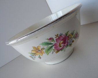 """Kitchen Kraft Oven Serve Mixing Bowl with Flower Design and Silver Edging - 8.5"""" Diameter - Made by Homer Laughlin Company USA"""