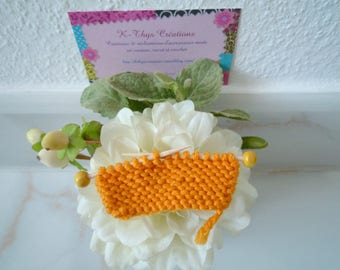Mini brooch knitted in wool and wood, orange