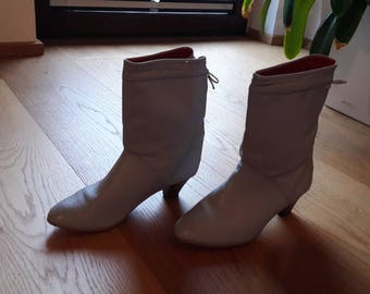 80s 90s Light grey slouchy leather boots 36