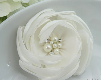 Bridal Hair Flower, Ivory Hair flower, rhinestone pearl wedding hair flower clip, wedding flower clip, ivory flower clip 4897