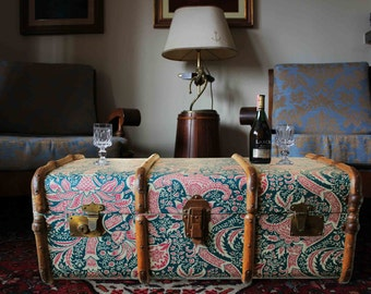 Exclusive William Morris Wallpaper Vintage Steamer Trunk Coffee table, toy chest storage bench. Upcycled Unique furniture home decor: Morris