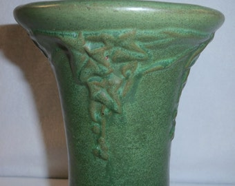 Peters and Reed Vase Matte Green Pottery Arts & Crafts Vase Ivy Pattern #46