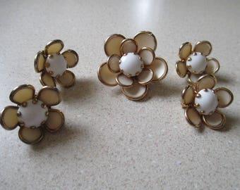 1950s, Lucite, Flowers, Goldtone, Demi Set, Clip On Earrings, Broochs