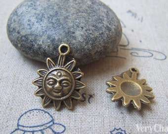20 pcs of Antique Bronze Lovely Sun Face Charms 17x20mm A4717