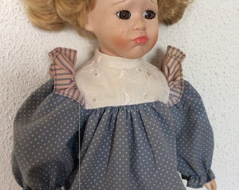"""Tammy porcelain doll from Heritage Mint 1993, 15"""""""