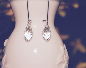 Simple Clear Dangle Earrings Swarovski briolette Teardrop Earrings, Small Earings, minimalist earrings, dainty earrings, bridal earrings