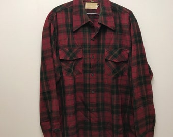 Vintage 70s HUDSONS BAY - 100% Wool Red/Black - PLAID Button Up Shirt - Large