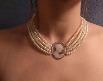 Pearl Necklace with Cameo