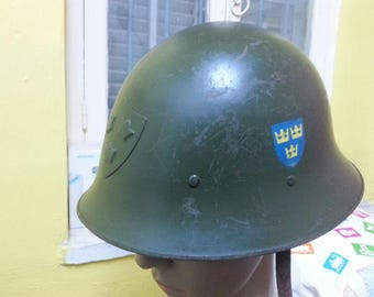 Swedish Sweden Army M21 helmet with three crowns