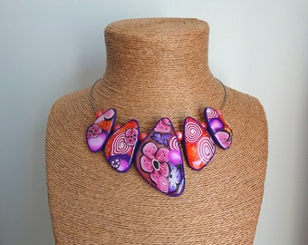 Bewitching polymer necklace with flowers