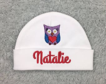 Personalized baby hat with owl -  personalized preemie hat, newborn beanie- baby girl hat, baby shower gift, preemie gift, owl preemie hat