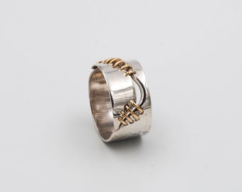 Silver ring 925 and gold 18 kt model hammered scar
