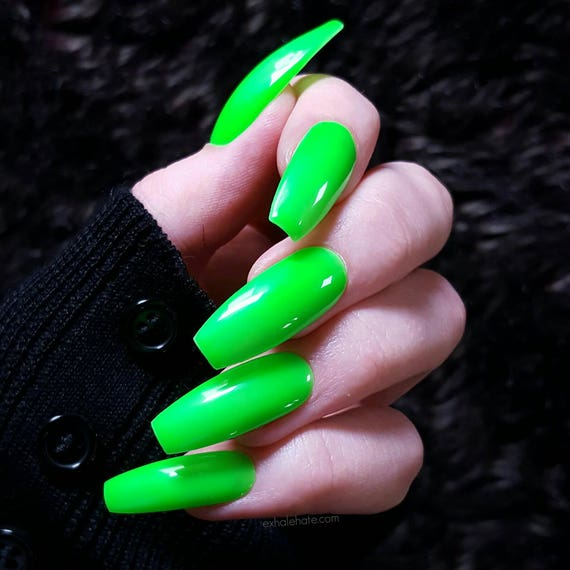 Neon Kiwi Green - Fake Nails - Press On Nails - Matte Nails ...