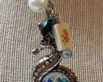 Mahjong key ring / Mah jong zipper pull / Seahorse keychain / Ma jong purse charm / Key chain / beaded