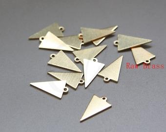 50pcs Raw Brass Triangle Charm - Geometry - 15.7x9mm (3079C-M-323)