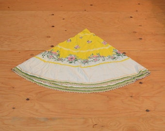 Vintage 50's Round Table Cloth Linen With Rainbow Of Beautiful Floral Detail Medium Size