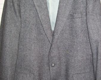 """Vintage Men's Wool Herringbone Tweed Sportcoat 44"""" Reg.  BEAUTIFUL coat !"""