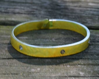 Vintage Molded Plastic Green and Yellow Marbled Bracelet