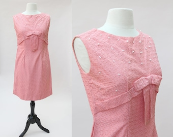 Vintage Wiggle Dress / Vintage Pink Lace Pearl Dress