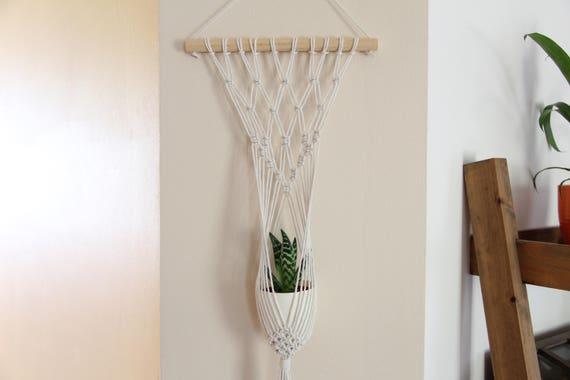 suspension murale macram pour petit pot de plantes. Black Bedroom Furniture Sets. Home Design Ideas