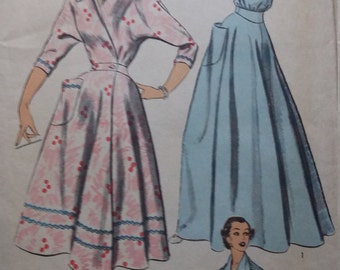 UNCUT and FF Pattern Pieces Vintage Advance 6169 Sewing Pattern Size 14 Bust 32 Dress or Robe Full Length