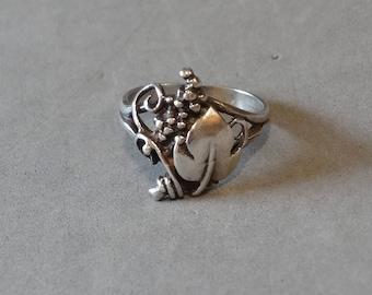 Vintage Antique Sterling Silver Ring Grape Clusters Leaves Art Nouveau Size 6.75