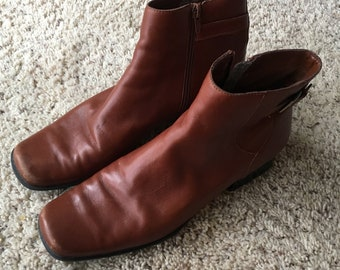 90s Beautiful Brown Leather Ankle Boots size 10