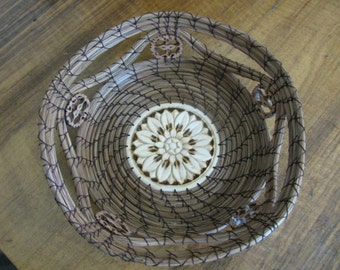 Star Pine Needle Basket with Rim