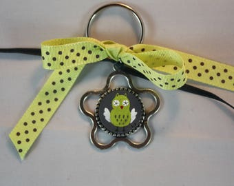 Gray and green OWL small metal keychain