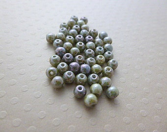 Set of 50 round beads green marbled 4 mm - A4-0393