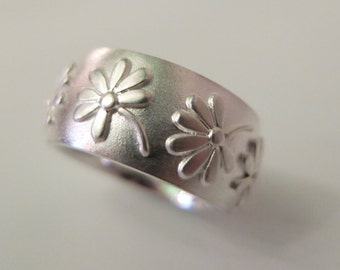 Silver Ring 'Daisies', Flower Jewelry, Boho Jewelry, Flower Ring, Floral, Blossom, Floret