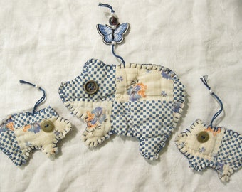 Country Pigs/ Cutter Quilt Pig Ornaments/ Upcycled Cutter Quilt/ Primitive Pigs/ Farmhouse Decor