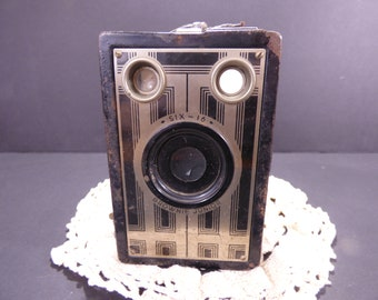 Antique six-16 Kodak Brownie JR. Art Deco Camera