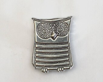 Wendel the Owl Pewter Magnet
