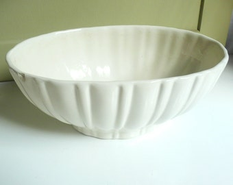 Vintage  Cream Haeger Bowl, ivory bowl, ivory Haeger planter, vintage ceramic planter, Haeger Pottery