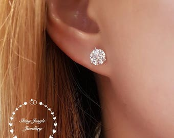 Diamond stud earrings, 0.5 and 1 carat equivalent diamond simulant stud earrings, 925 Sterling Silver, 5 mm & 7 mm size