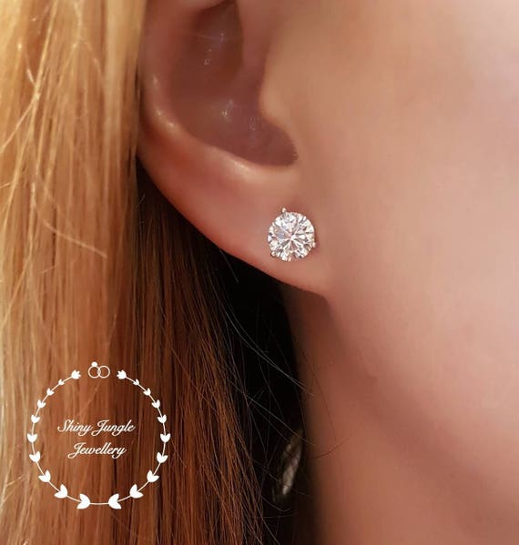 gold whitegold earrings white in carat view diamond round classic stud