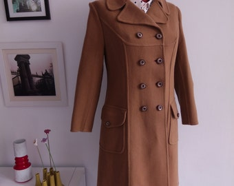Vintage 60s wool Coat, winter coat in camel color, double Breasted Pea Coat. Made in Spain. Size USA 8 EUR 40 12 UK