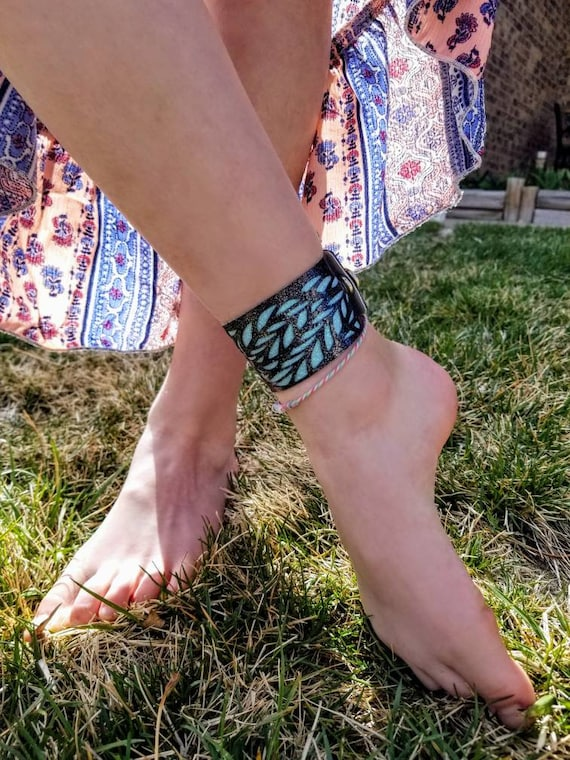 Sparkle Vinyl Cuff Anklet - Layered Lace